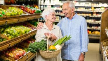prendre un taxi pour faire son shopping ou ses courses, transport pour personnes âgées et femmes enceintes