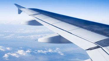 se rendre à l aeroport ou à la gare pour un depart en vacances vers l etranger