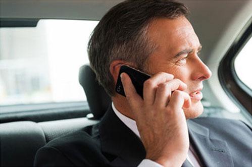 professionnel, entreprise et commerciaux ayant besoin d'un transfert gare ou aeroport en taxi chollier