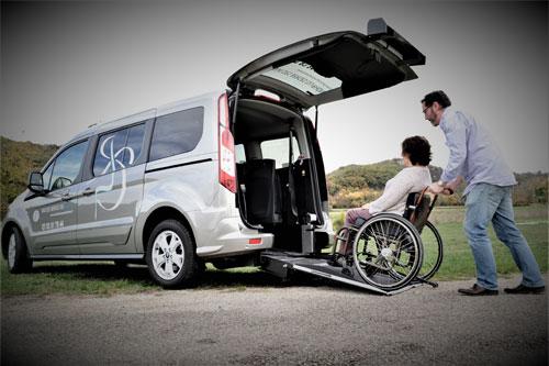 rampe d'accés pour fauteuil electrique et manuel, transport en fauteuil sans transfert pmr vehicule taxi chollier