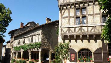 visite de la cite medievale de Pérouges en taxi chollier